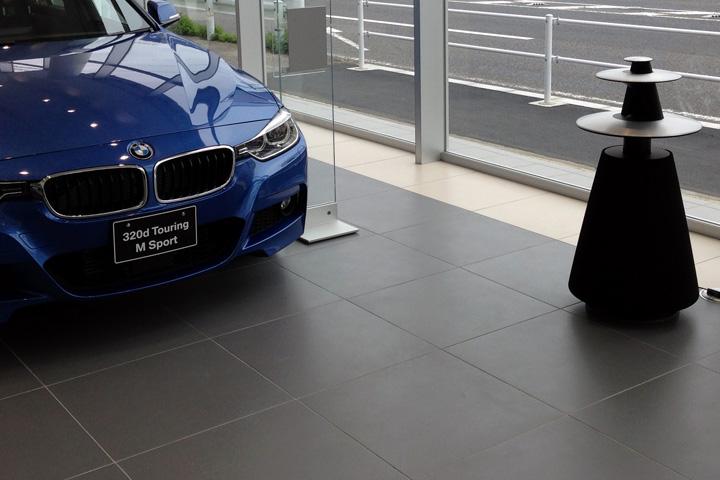 刈谷BMW /ショールーム全体にBeoLab5 のサウンドを