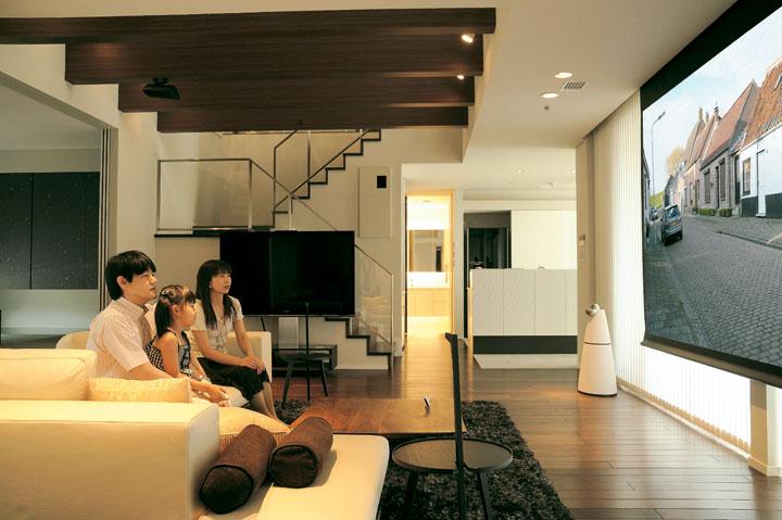 O邸 / リビングをシアターに。可変の空間にするために 音と光の最適デザイン。INTELUX