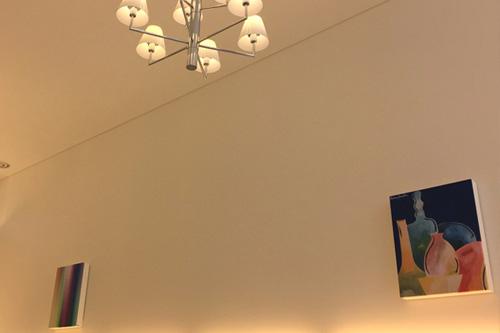 ファミリーデンタルイシダ / Artcoustic 美術館のようなとてもオシャレな空間の歯医者さん